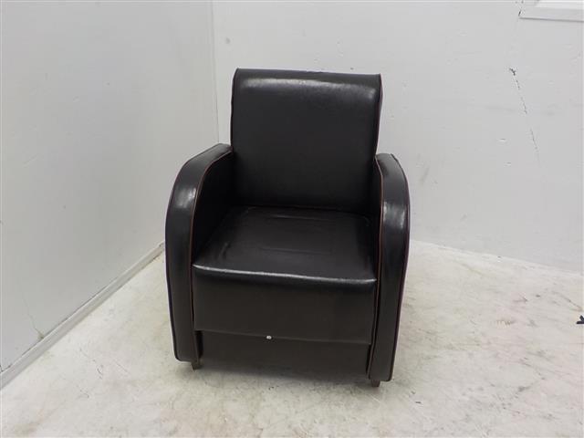 Leren fauteuil met bruin biesje de goede winkel