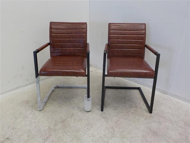 Stoel Metalen Frame : Set van bruin leren stoelen met een metalen frame de goede winkel
